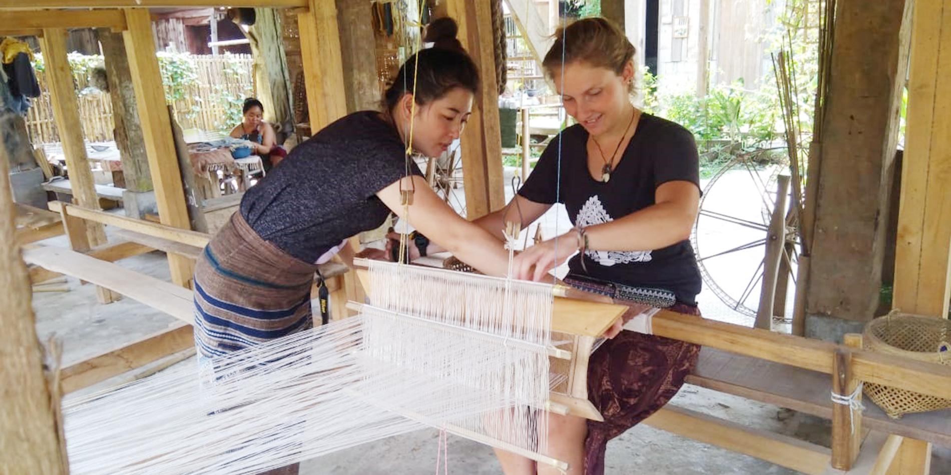 Handgemaakte katoenervaring bij Ban Lue Handicrafts