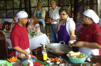 Exploring_Mandalay_Art_of_Cooking01